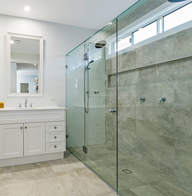 Frameless Hinged Shower Screens