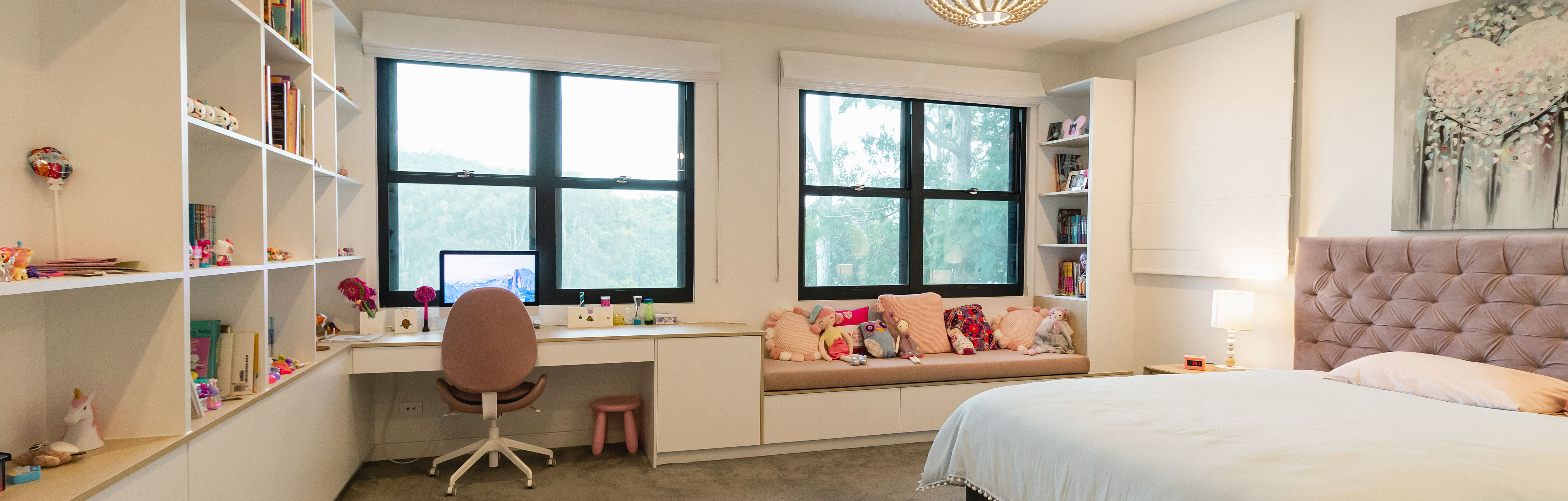 Aluminium Double Hung Windows in a bedroom