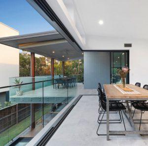 large-black-aluminium-corner-sliding-door