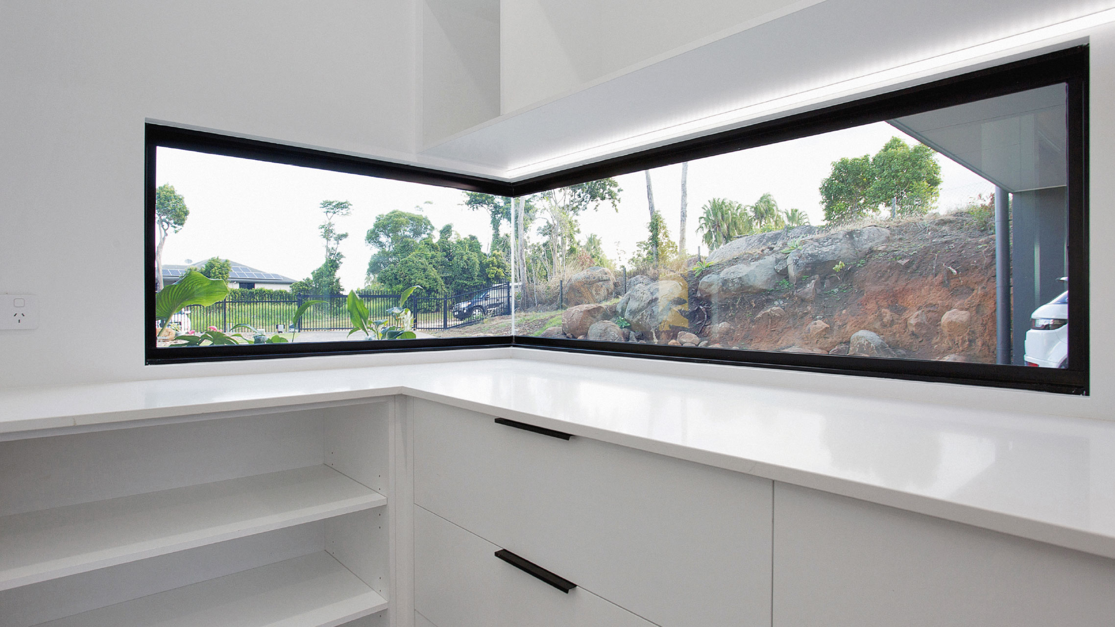 Large Butt Joint Fixed Window